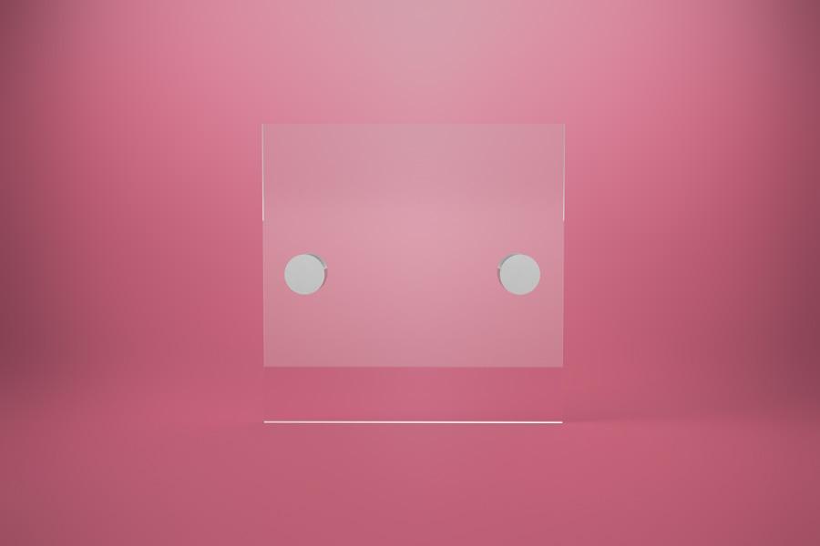 Tabliczka dystansowa z plexi (PMMA) 15×15 cm, na 2 złączkach dystansowych